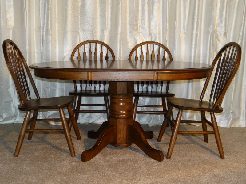 "VO-TA583, 42""x60"",w/1-18"" leaf table.  VO-CH501- Whiskey brown classic oak chair"